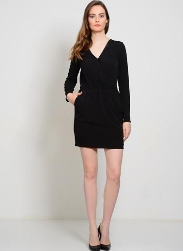 YAS V Yaka Çiçekli Kısa Elbise Siyah